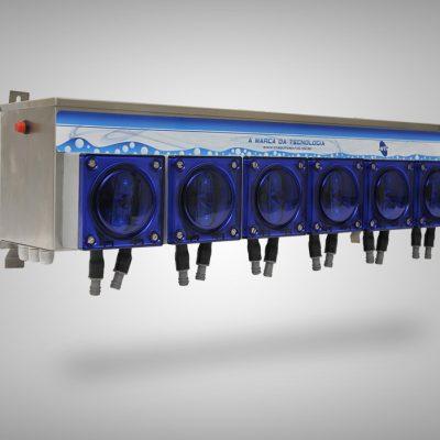 Conjuntos de Dosagem Interface remota Caixa de 3 a 8 bombas de 350ml/min ou 900ml/min;